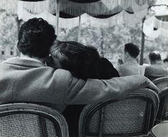 Lovers, Sunday Morning at Champs-Élysées, Paris, 1951 (Bert Hardy)