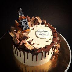 38 Trendy Birthday Cake For Husband Buttercream - birthday Cake White Ideen Birthday Cakes For Men, Birthday Cake For Husband, New Birthday Cake, Novelty Birthday Cakes, Cake Cookies, Cupcake Cakes, Cupcakes, Jack Daniels Cake, Buttercream Birthday Cake