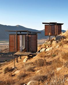 Jorge Gracia, Endémico Resguardo Silvestre, in Valle de Guadalupe, Ensenada, Mexico. - Photo: Undine Pröhl / Courtesy of Taschen Small Buildings, Mountain Homes, Shipping Container Homes, Cabins In The Woods, Architecture Design, Sustainable Architecture, Pavilion Architecture, Residential Architecture, Contemporary Architecture