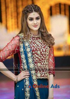 Pakistani Wedding Hairstyles, Mehndi Hairstyles, Lehenga Hairstyles, Bridal Hairstyle Indian Wedding, Bollywood Hairstyles, Bridal Hair Buns, Open Hairstyles, Bridal Hairdo, Indian Hairstyles