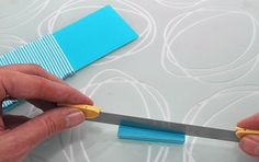 5 Crea Fimo, Polymer Clay Canes, Hand Art, Clay Tutorials, Clay Jewelry, Plastic Cutting Board, Polymers, Crafty, Resin