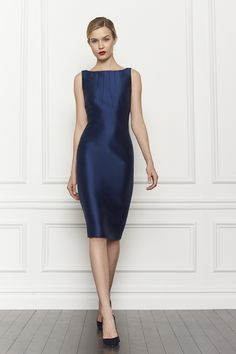 color + patron_-Carolina Herrera The color and cut on this is INCREDIBLE! Day Dresses, Blue Dresses, Casual Dresses, Short Dresses, Fashion Dresses, Formal Dresses, Prom Dresses, The Dress, Dress Skirt