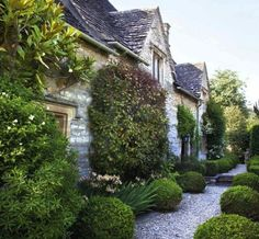 Little House - Barnsley, Cotswolds; I love my little English cottages!: