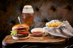 What better way to celebrate Oktoberfest in London than indulging in a mouthwatering combo of ice cold beer, juicy burger & crispy french fries in Q Bar at The Queens Gate Hotel ? Crispy French Fries, Restaurant Bar, Hamburger, Gate, Queens, Beer, Cold, London, Ethnic Recipes
