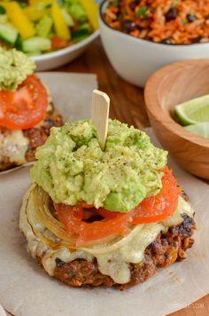 Mexican Burgers | Slimming World Recipes - Slimming Eats Slimming World Beef Recipes, Slimming World Fakeaway, Slimming World Dinners, Slimming Eats, Slimming Word, Avocado Recipes, Ww Recipes, Mexican Food Recipes, Cooking Recipes