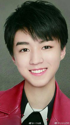 His smile, so beautiful ❤❤😍😍