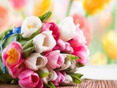 Un bonito ramo de tulipanes