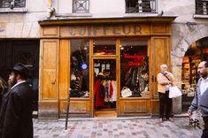 Four Paris Vintage Stores you Can Visit in an Afternoon - Paris Perfect Shopping Places, Paris Shopping, Paris Vintage, Vintage Travel, Paris France Travel, Space City, Concept Shop, I Love Paris, Oui Oui