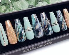 Mystery Glass Press on nail set, faux nails, marble nails, false nails - New Sites Ten Nails, Acryl Nails, Nail Tape, Nail Sizes, Rose Gold Nails, Strong Nails, Marble Nails, Best Acrylic Nails, Glue On Nails