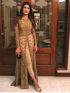Wedding dresses pakistani anarkali outfit 32 ideas for 2019 Desi Wedding Dresses, Party Wear Indian Dresses, Designer Party Wear Dresses, Indian Gowns Dresses, Kurti Designs Party Wear, Indian Fashion Dresses, Indian Designer Outfits, Indian Outfits, Designer Ethnic Wear