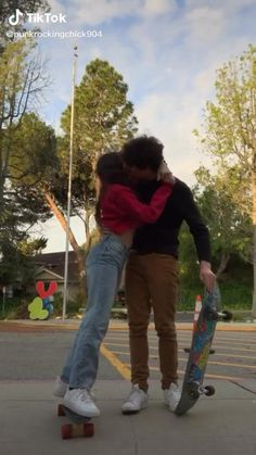 Couple Goals Teenagers, Cute Couples Goals, Cute Couples Photos, Skater Couple, Skater Boys, Relationship Goals Tumblr, Cute Relationships, Basketball Relationship Goals, Boyfriend Goals
