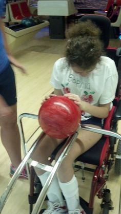 This device can be used for individuals using a wheelchair so they can be able to roll the ball down the ramp to knock down the pins. Adaptive Sports, Adaptive Equipment, Comfort Keepers, Wheelchair Accessories, Mobility Aids, Disabled People, Making Life Easier, Assistive Technology, Cerebral Palsy