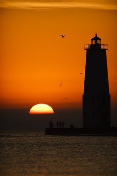 Orange House Photograph - Sunset At Frankfort North Breakwater Lighthouse by Adam Romanowicz Bell Rock Lighthouse, Lighthouse Pictures, Lighthouse Art, Lighthouse Lighting, Moonlight Painting, Orange House, Costa, Best Sunset, Light Of The World