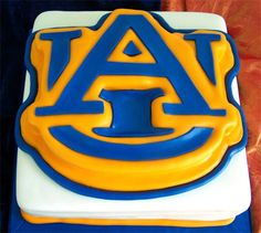 madhatcakes.com   Football Birthday cake photos. The best football cakes on Pinterest and the best football cakes on the web! Football cake ideas such as Football Stadium cakes, football field cakes, football helmet cakes, and football logo cakes. #football #cakes #gifts