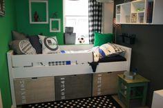Mooie jongenskamer met een stoer bed! Gezien bij Kikke Kinderkamers in Nijverdal.#jongenskamer #stoerbed