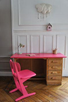 Atelier Petit Toit: Le bureau de comptable et la chaise Casala de Sara