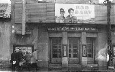 Budapest, Retro Vintage, Broadway Shows, Black And White, Painting, Google, Black N White, Black White, Painting Art
