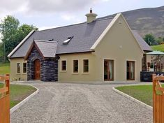 Exterior Paint Colours For House Ireland 55 Ideas For 2019 Best Exterior Paint, Exterior Paint Colors For House, Paint Colors For Home, Paint Colours, Cottage House Plans, Cottage Homes, Ireland Homes, House Ireland, House Designs Ireland