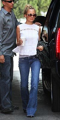 Like her style... Not a fan of the flare jeans but if they were straight legs or skinnies... Shirt is so cute