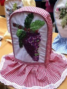 Soft Furnishings, Decoupage, Apron, Lunch Box, Image, Vestidos, Needle Felted Ornaments, Wine Bottle Crafts, Blenders