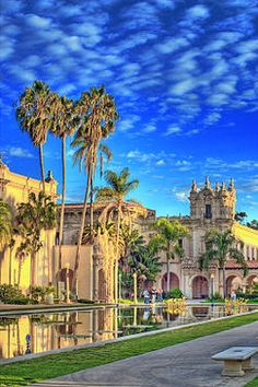 Balboa Park (San Diego)  is world famous and has been designated a National Historic Landmark - so I can't miss seeing this while on my #VolvoJoyride!!!