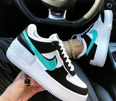 Aesthetic Shoes, Aesthetic Clothes, Sneakers Fashion, Sneakers Nike, Jordan Shoes Girls, Nike Shoes Air Force, Hype Shoes, Fresh Shoes, Custom Shoes