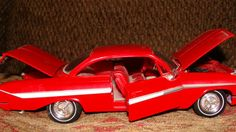 "Classic Metal Works 1:24 1961 Chevrolet Impala 8"" long working parts from 1999"