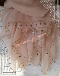 Hand Embroidery Dress, Hand Embroidery Tutorial, Crewel Embroidery, Beaded Embroidery, Pink Party Decorations, Creative Embroidery, Pink Parties, Knitted Poncho, Filet Crochet