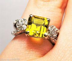 18ct-White-Gold-Peridot-and-Diamond-Ring