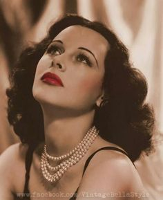 Wow, that face! Hedy