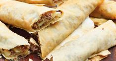 The Kitchen Food Network, Greek Cooking, Greek Recipes, Deli, Hot Dog Buns, Food Network Recipes, Food And Drink, Mexican, Pie