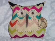 Primitive/Shabby Owl Doll/Pillow~Multi-Color Chevron~Tuck/Ornie~