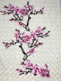 1 set Magnolia Flower Embroidered Patch Iron//Sew on Sewing Water Soluble Hand