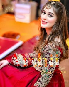 Pakistani Fashion Party Wear, Pakistani Formal Dresses, Girls Formal Dresses, Pakistani Dress Design, Stylish Dresses, Simple Dresses, Indian Fashion, Nice Dresses, Women's Fashion