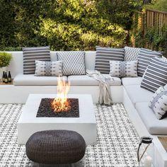 Outdoor Lounge Furniture, Outdoor Rooms, Outdoor Living, Outdoor Decor, Indoor Outdoor, Outdoor Tiles, Outdoor Patios, Outdoor Kitchens, Outdoor Plants