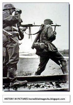 Bundesarchive Photos 1933 - all fields of WWII - Page 21 German Soldiers Ww2, German Army, Military Photos, Military History, Ww2 History, Luftwaffe, Mg34, War Machine, Machine Guns