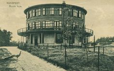 Built sometime around 1904, torn down in 1967, the Round House (Ronde Huis) of Nunspeet, in the Netherlands, is a source of mystery. A recent book about the house mixes prostitutes, occult rituals, Germanic symbols, wealthy industrialists and royalty.