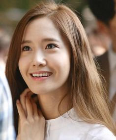 Yoona SNSD long straight hairstyle brown color