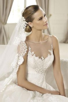 beautiful wedding gown and veil
