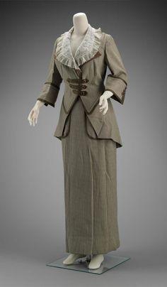 1910 Walking Suit via The Museum of Fine Arts, Boston.