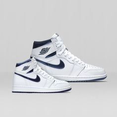 For the 1st time in three decades, this Jordan Retro 1 'Metallic Navy' is available — get it now.