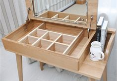 Mueble tocador japonés moderno. Me encanta.