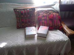 pokotali: χωριο Blanket, Bed, Home, House, Rug, Homes, Beds, Blankets, Houses