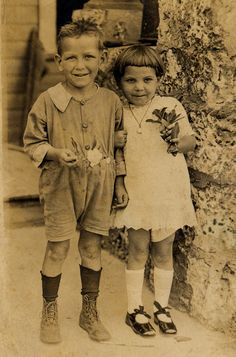 Love this old timey photo of Family.  Brother and Sister