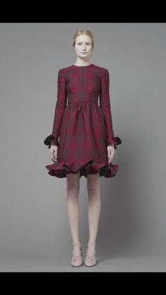 #valentino  #londonfashionweek #lfw #autumn13 #falltrends #autumntrends #fallfashion #autumnfashion #aw13 #trends #womensfashion #catwalk #aw2013 #fashion #style #runway