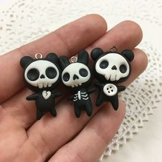 Polymer clay jewelry, sculpey clay, cute polymer clay, polymer clay f Sculpey Clay, Polymer Clay Kunst, Polymer Clay Kawaii, Polymer Clay Figures, Polymer Clay Animals, Polymer Clay Miniatures, Polymer Clay Charms, Polymer Clay Projects, Polymer Clay Creations