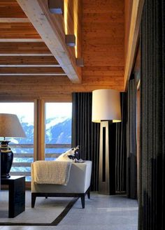 Living Room Style with Combinations of Colors in Modern Chalet by Nicky Dobree - Home Design and Home Interior Chalet Design, House Design, Chalet Interior, Interior Exterior, Interior Architecture, Residential Architecture, Interior Design Awards, Ski Chalet, Contemporary Interior Design