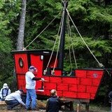 Pirate ship-themed playhouse - simple panel construction with painted detail - red is pretty fun! Pirate Birthday, Pirate Party, 2nd Birthday, Backyard Play, Diy Projects For Kids, Treasure Maps, Kids Corner, Neverland, Play Houses