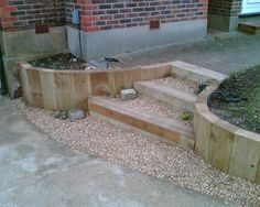 Eddie's sloping garden project with railway sleepers Photo 9 Garden Steps, Garden Edging, Easy Garden, Traverse Paysagere, Railway Sleepers Garden, Sleeper Retaining Wall, Retaining Walls, Garden Wall Designs, Landscape Lighting Design