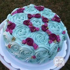 Instagram Cake Decorating Designs, Cake Decorating Videos, Cake Decorating Techniques, Cake Designs, Rossete Cake, Cake Art, Cupcake Cakes, Buttercream Designs, Buttercream Cake